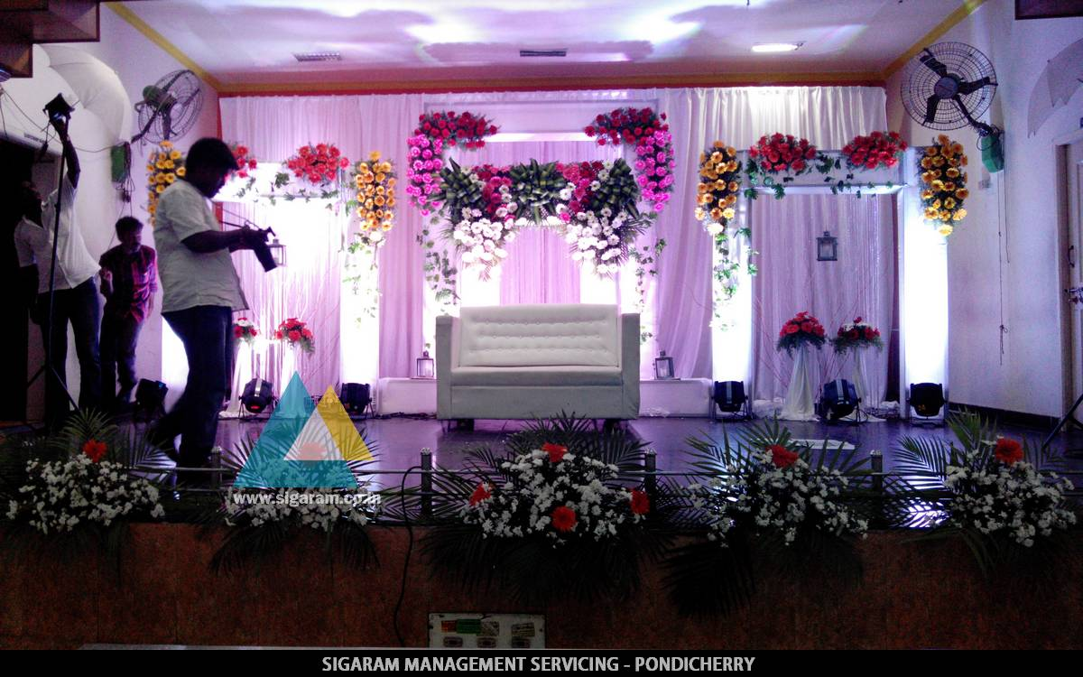 Wedding stage decoration in jvs mandapam tindivanam for Wedding event decorators