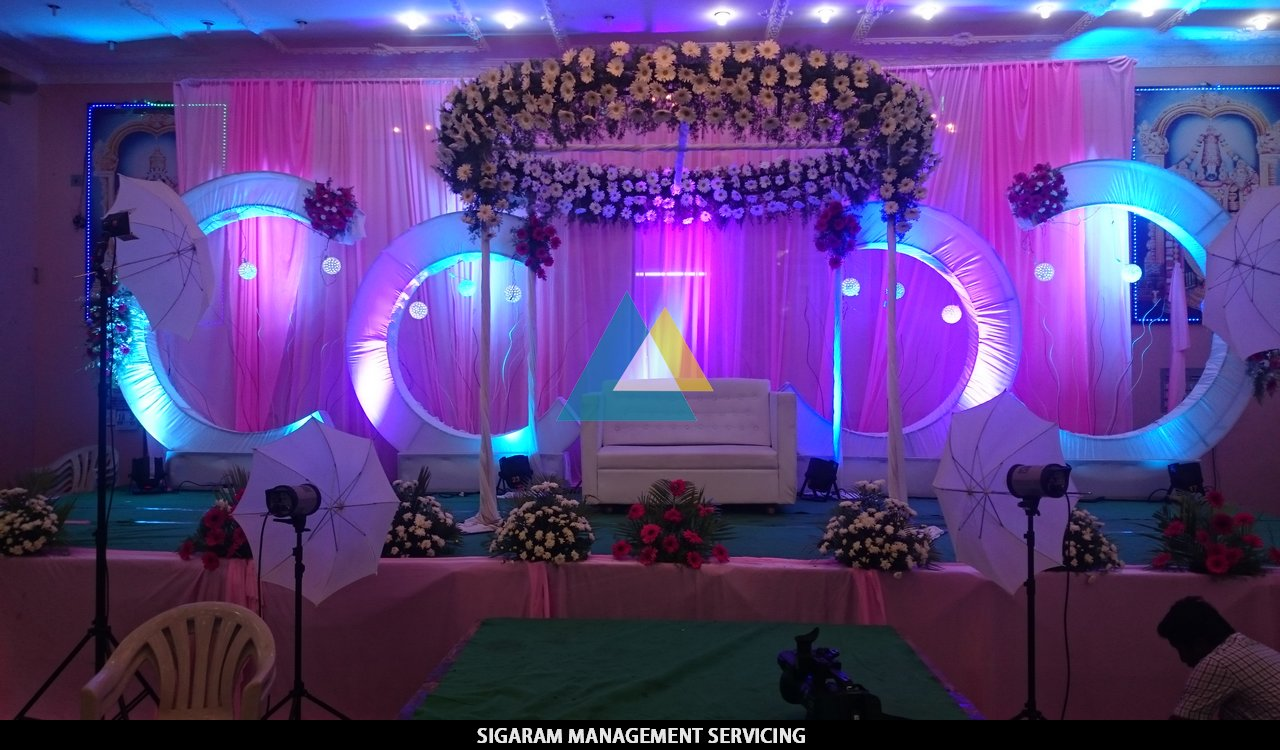 Wedding decoration at samikannu tirumana mandapam for Wedding banquet decorations