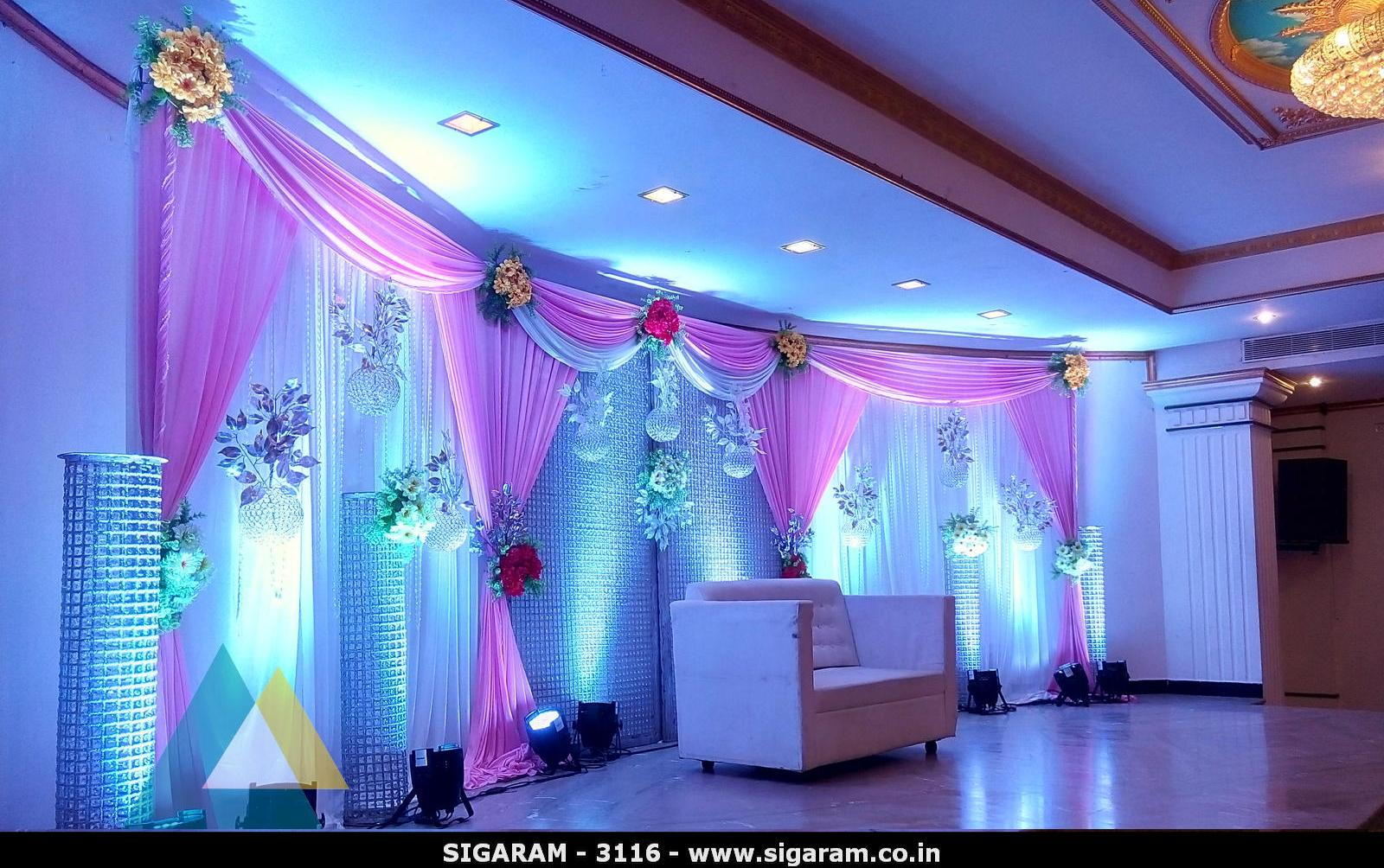 Wedding reception decoration at le royal park hotel for Royal decoration