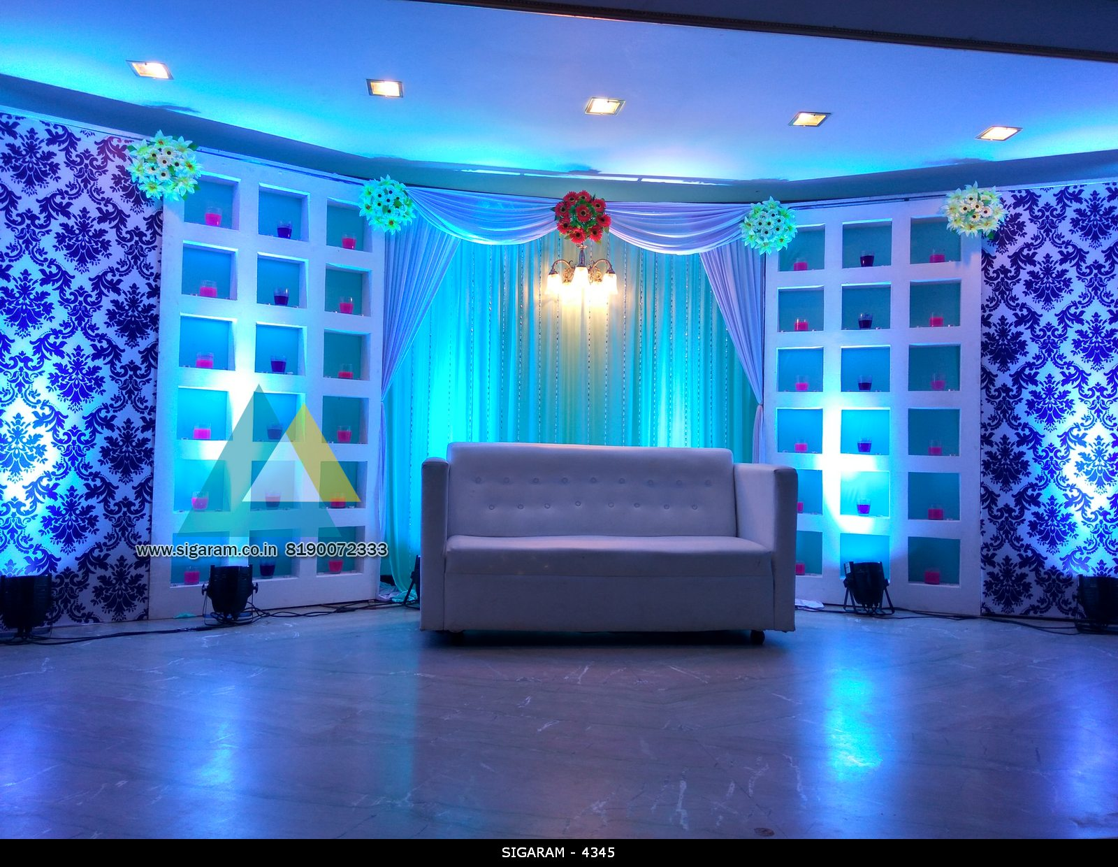 Wedding reception stage decoration at le royal park hotel for Decoration hotel