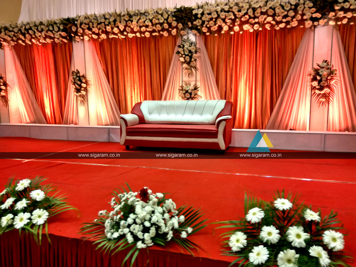 Reception stage decoration anandha inn puducherry for Marriage decoration photos