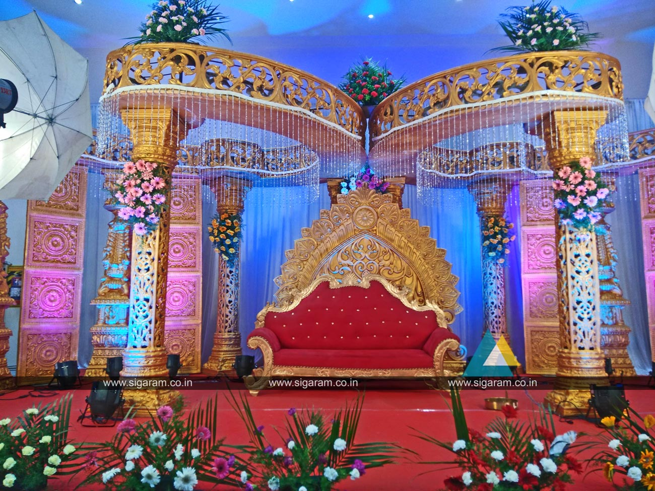 Reception and wedding stage decoration logalakshmi mahal for Decoration pics