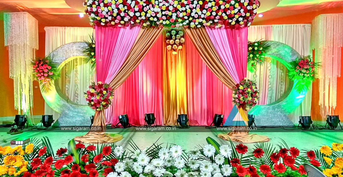 valaikappu stage decoration at jayaram hotel pondicherry sigaram wedding decorators. Black Bedroom Furniture Sets. Home Design Ideas