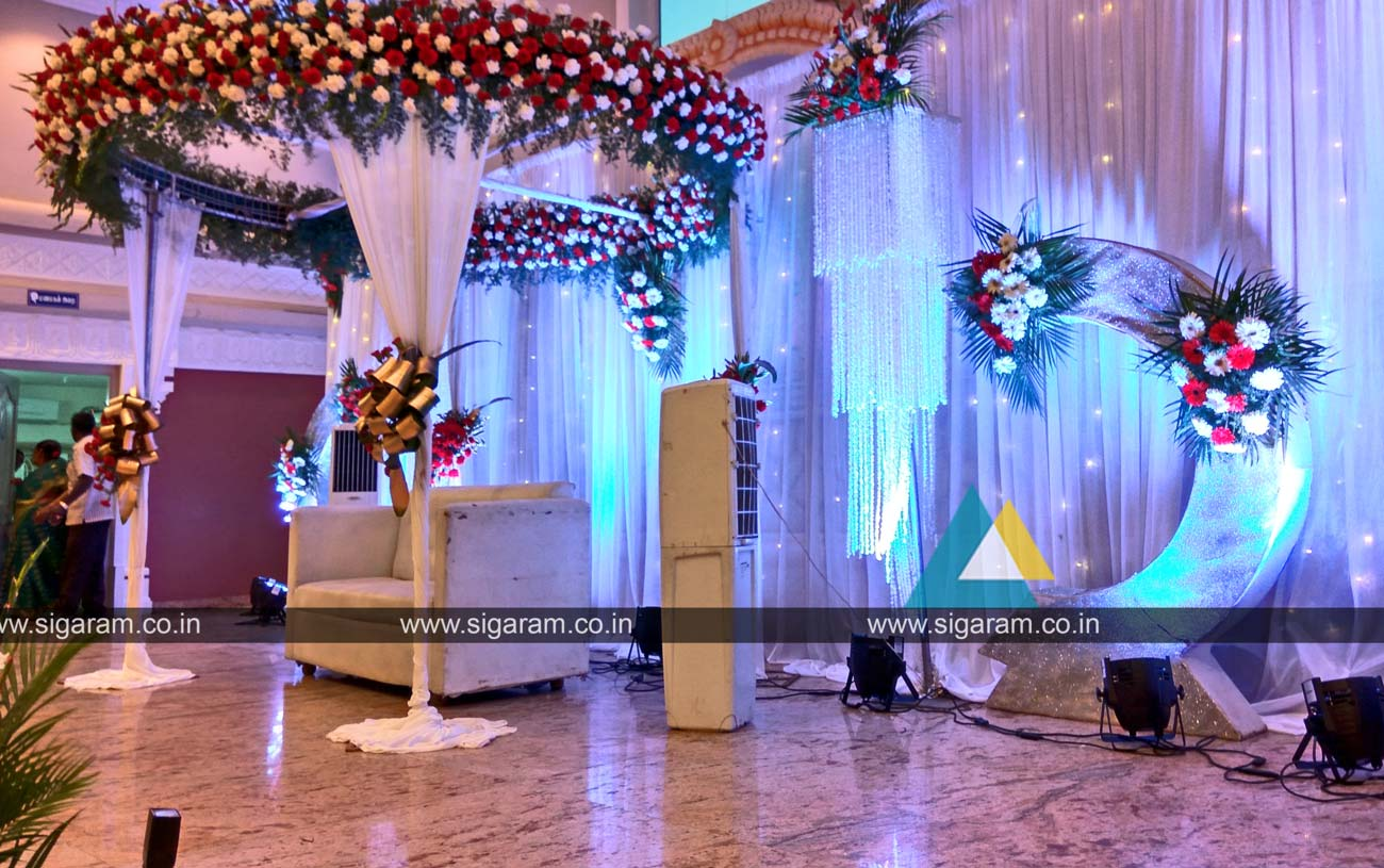 Reception and wedding decoration shri thangamayil for Arch decoration pictures