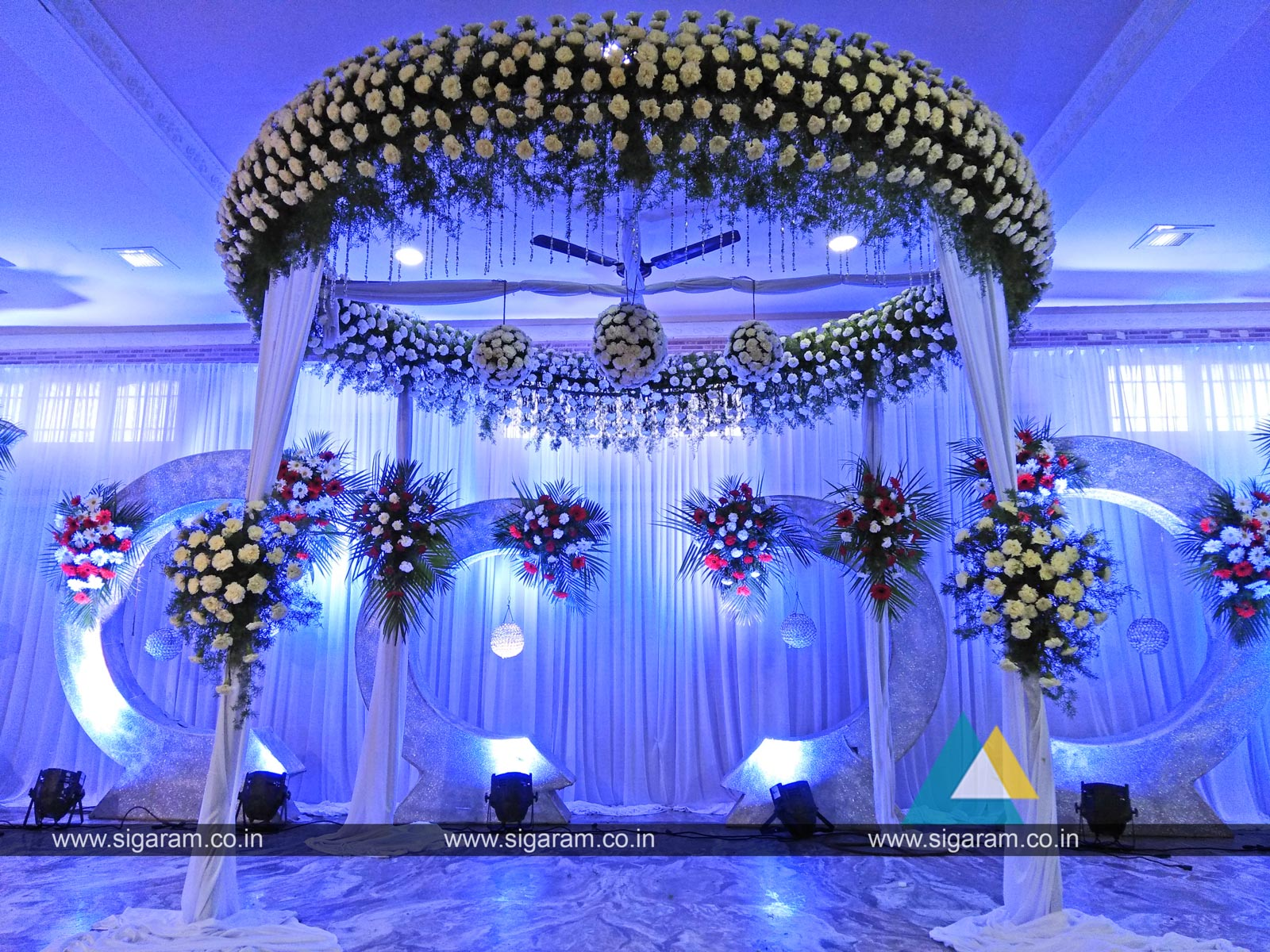 reception stage decoration at annai periyanayagi mahal manjakuppam cuddalore sigaram wedding. Black Bedroom Furniture Sets. Home Design Ideas