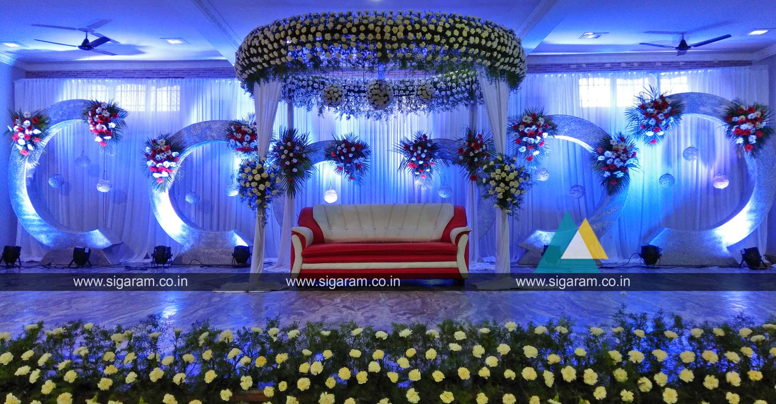 Reception stage decoration at annai periyanayagi mahal for Decoration images