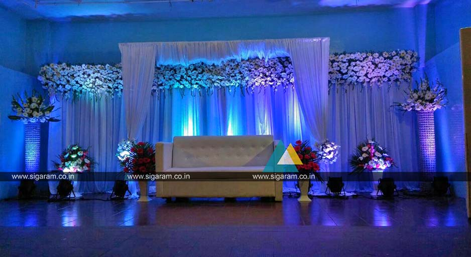 Outdoor reception stage decoration at hotel ashoka egmore reception decoration at ashoka hotel chennai 4 junglespirit Gallery
