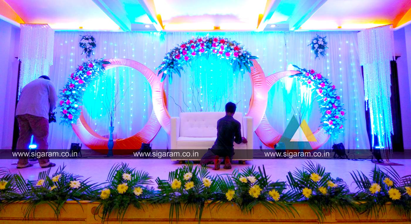 reception stage decoration at atithi hotel s v patel salai puducherry sigaram wedding decorators. Black Bedroom Furniture Sets. Home Design Ideas