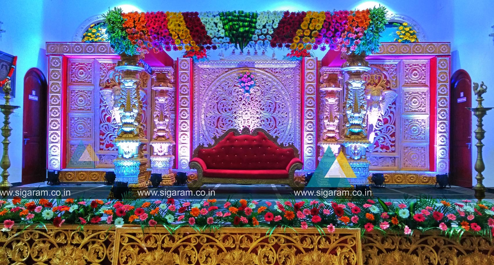 wedding and reception stage decoration at nt mahal 100ft road pondicherry sigaram wedding. Black Bedroom Furniture Sets. Home Design Ideas