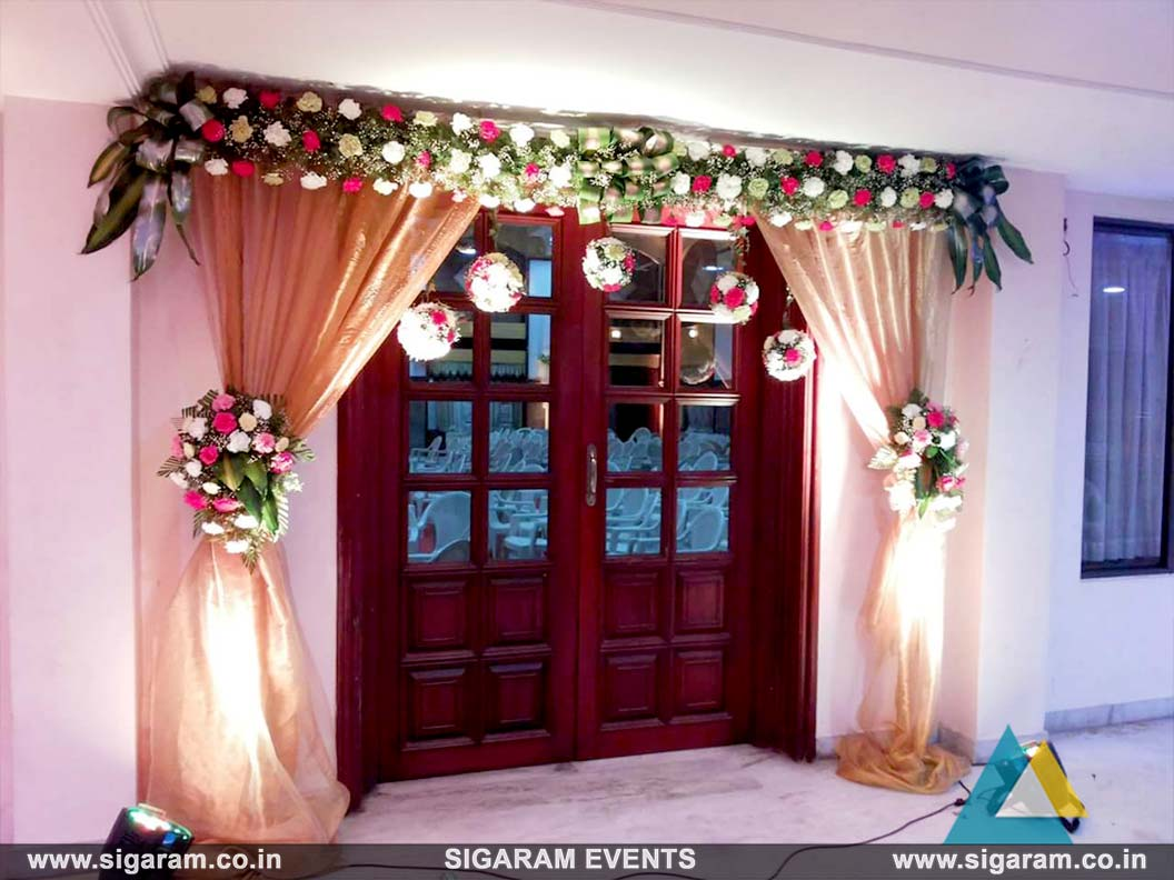Wedding and reception door entrance decorations in for Wedding door decorating ideas