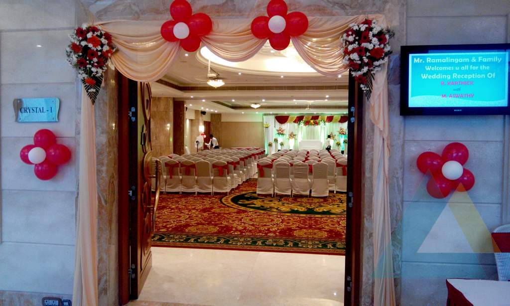 Entrance decoration event management company in for Hotel entrance decor
