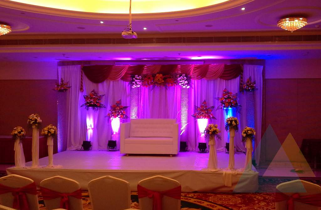 Reception decoration at accord hotel pondicherry event for Decoration decoration